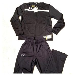 NWT UA Youth Track Suit - Size M